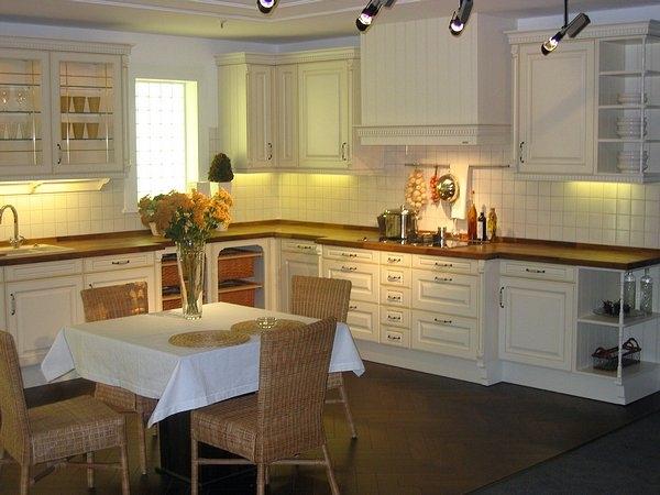 k chen m nchen k chen galerie landhausk chen k chen. Black Bedroom Furniture Sets. Home Design Ideas
