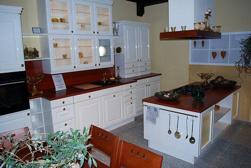k chen m nchen angebote ausstellungsk chen musterk chen zum abverkauf koje 41 k chen. Black Bedroom Furniture Sets. Home Design Ideas