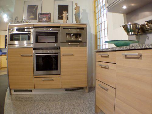k chen m nchen angebote ausstellungsk chen musterk chen zum abverkauf koje 7 k chen. Black Bedroom Furniture Sets. Home Design Ideas